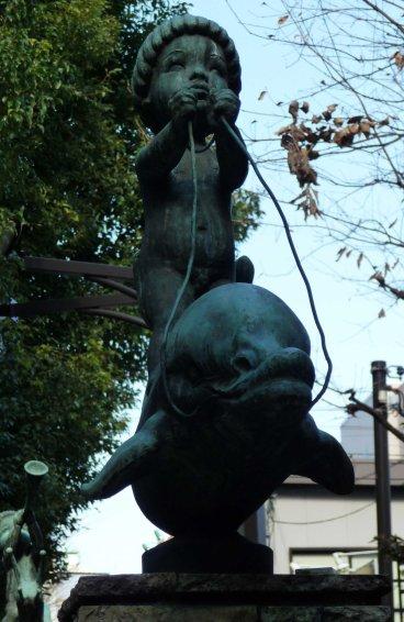 statue Shinjuku 01